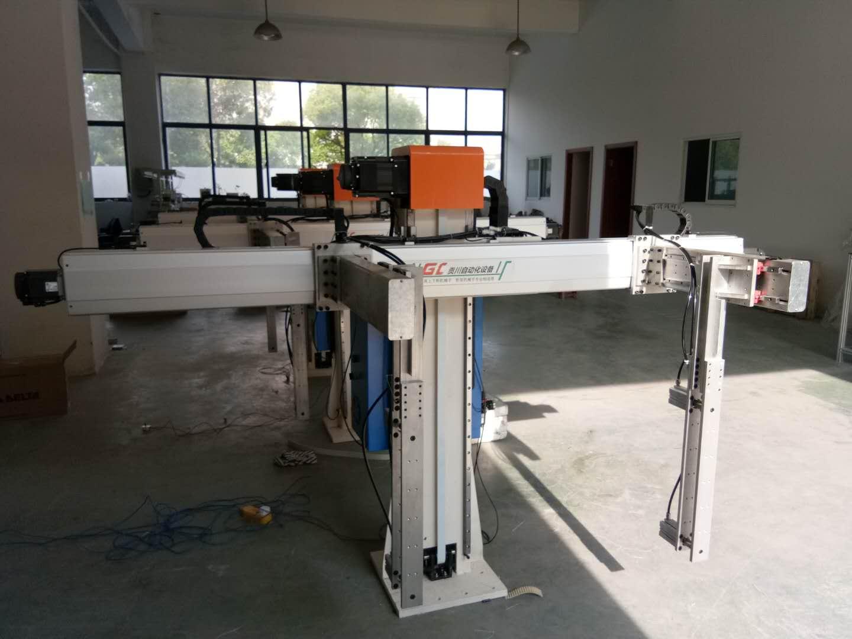 硅胶制品专用注塑机械手